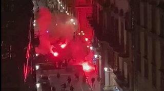 Proteste contro il Dpcm, bombe carta a Palermo: ferito operatore Mediaset | Disordini a Genova