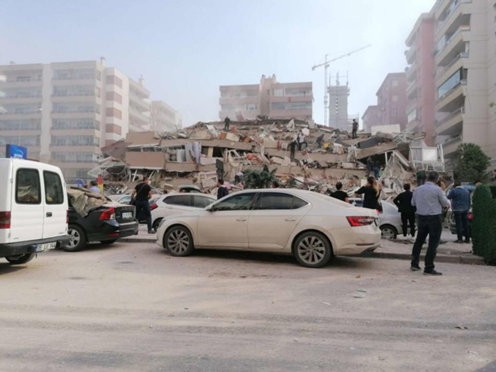 Forte terremoto nel mar Egeo: mini-tsunamia Smirne, molti edifici crollati