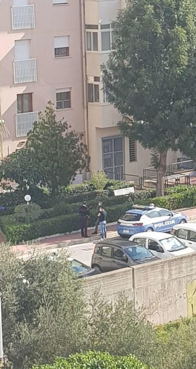 Dramma a Trapani, neonato gettato dalla finestra: morto