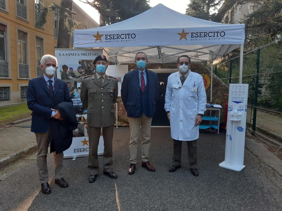 A Milano l'Esercito attiva il punto vaccinale ...