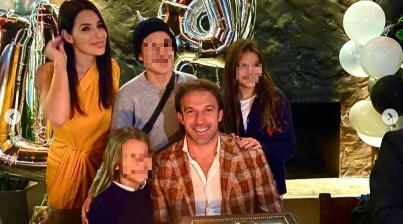 Alessandro Del Piero festeggia a Los Angeles con moglie e figli