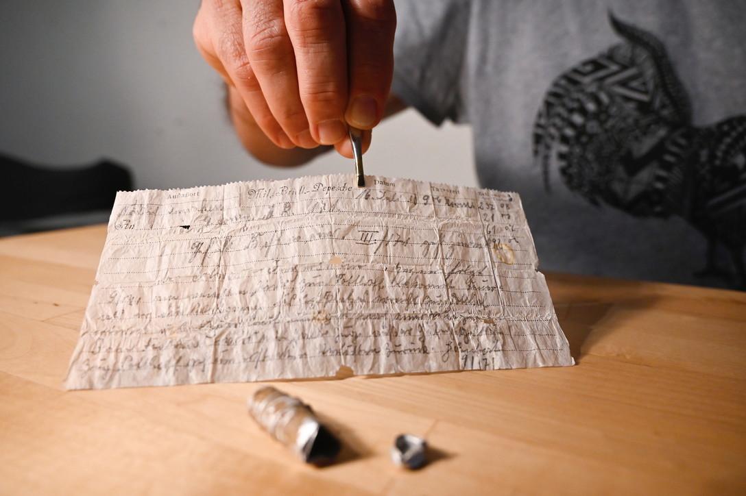 Strasburgo,ritrovato il messaggio di un piccione viaggiatore dopo 110 anni