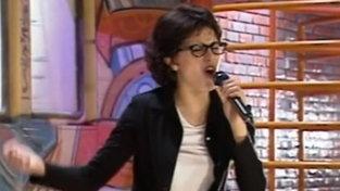 """Buon compleanno Paola               Cortellesi              : eccola quando imitava Giorgia               a """"Mai Dire Gol"""""""