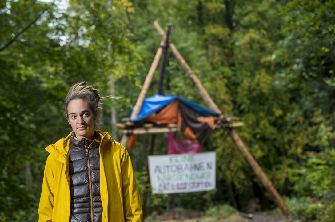 Germania, protesta contro il taglio di alberi secolari: fermata Carola Rackete