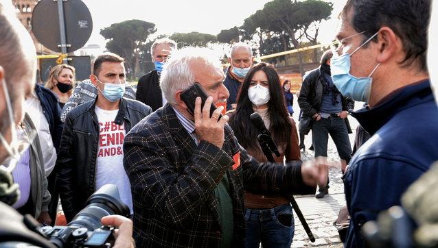 Covid, proteste a Roma contro le misure del governo: 11 fermati e denunciati