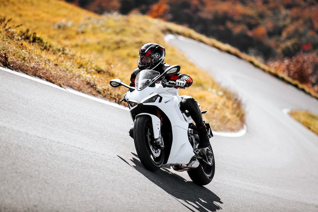 Ecco la nuova Ducati SuperSport 950