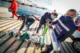 Coronavirus, la Capitaneria di porto mette a disposizione le bombole dei subacquei