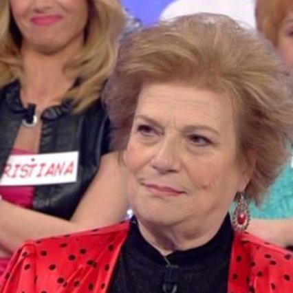 """Piangi a """"Uomini e donne"""": Maria S., ex signora del trono finito, è morta"""