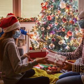 Le feste col coronavirus: come funziona quest'anno in Europa