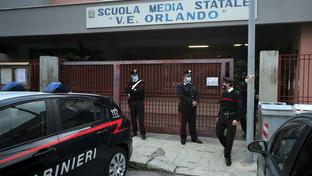 Palermo, il dramma in una scuola media: muore una bimba