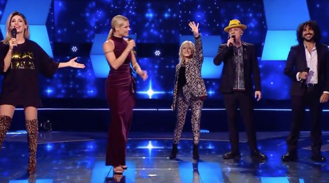 """All Together Now"", Michelle Hunziker e i giudici cantano i classici Disney"