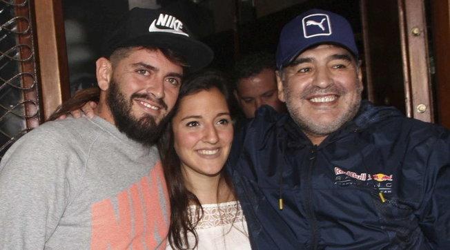 Maradona, la polemica sull'eredità scatena la crisi familiare