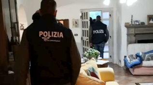 Si autoaddestrava per fare attentati, scoperto dalla polizia e arrestato