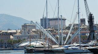Genova, perdono i genitori nel giro di un anno: il quartiere si mobilita per aiutare i due fratelli