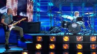 """""""Tu sì que vales"""": il baby batterista Alessandro si ripete col papà"""