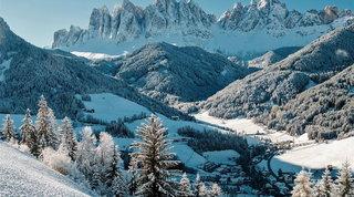 Borghi e città tra i monti, nel loro look invernale