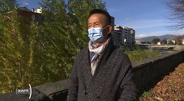 """Prato, la comunità cinese è immune? """"In molti tornano in patria per il vaccino, costa 80 euro"""""""