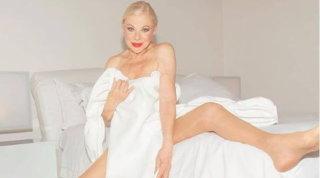 Sandra Milo (87 anni) torna a fare la Venere: si spoglia e regala una cover sensuale