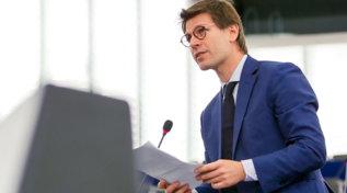 I quattroeuroparlamentari usciti dal M5s