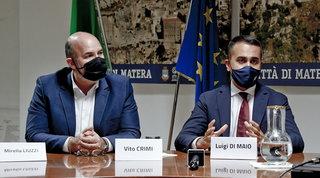 """Di Maio e Crimi ai dissidenti M5s: """"No ostruzionismo sulla riforma del Mes, tanto non sarà mai attivato"""""""