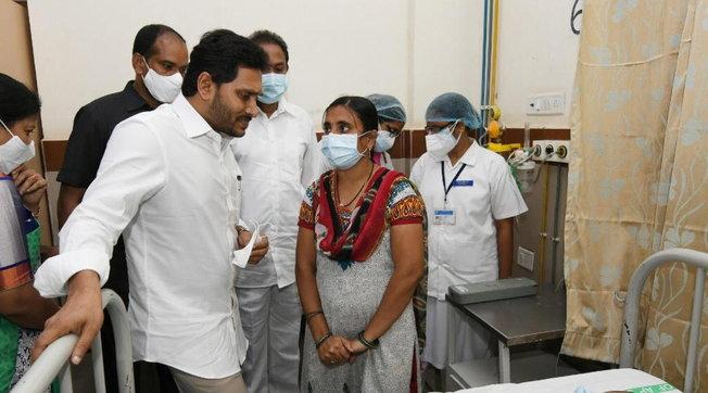 India, 300 persone in ospedale e una vittima per una misteriosa malattia non identificata