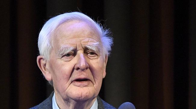 Morto a 89 anni lo scrittore britannico John le Carré: maestro dei romanzi di spionaggio