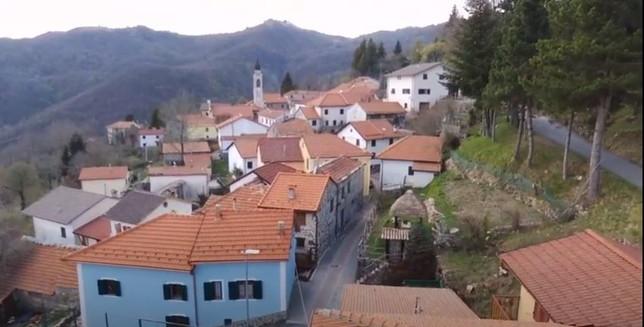 Fascia, il comune più vecchio d'Italia, a breve avrà un bebè: non accadeva da 23 anni