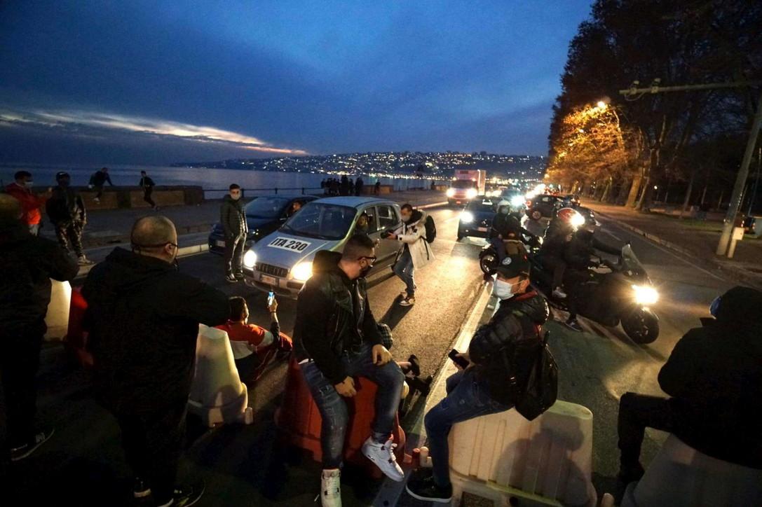 Napoli, la protesta dei ristoratori contro De Luca: bloccato il lungomare di sabato