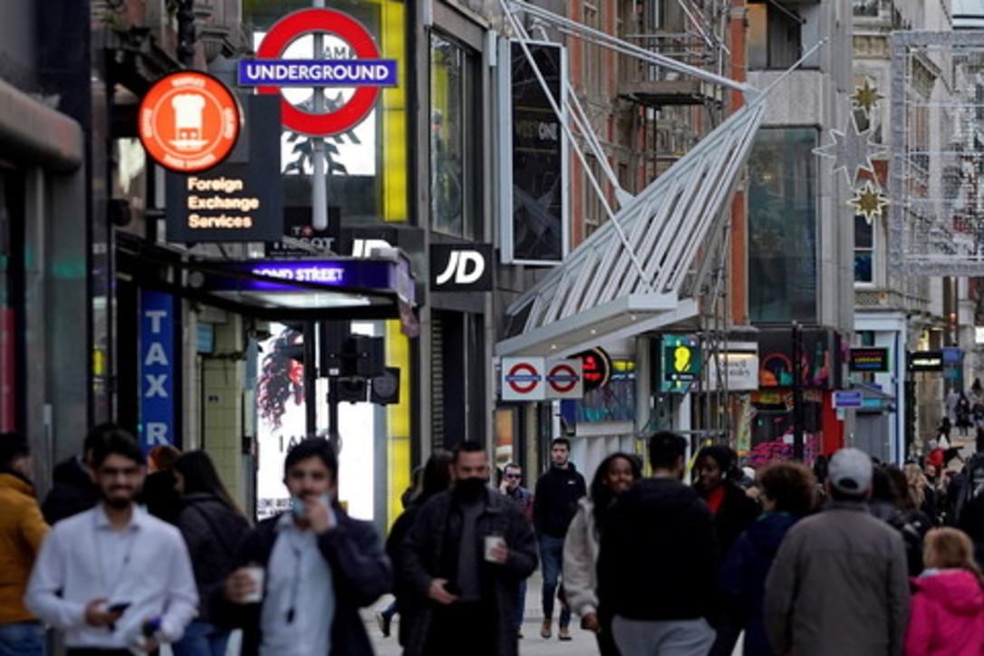 Covid, le ultime ore di Londra prima del nuovo lockdown