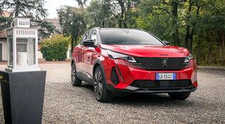 Peugeot Nuovo 3008 a caccia della vetta di categoria