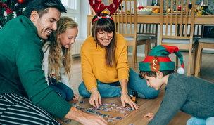 Natale in famiglia: dieci giochi per divertirsi anche a casa