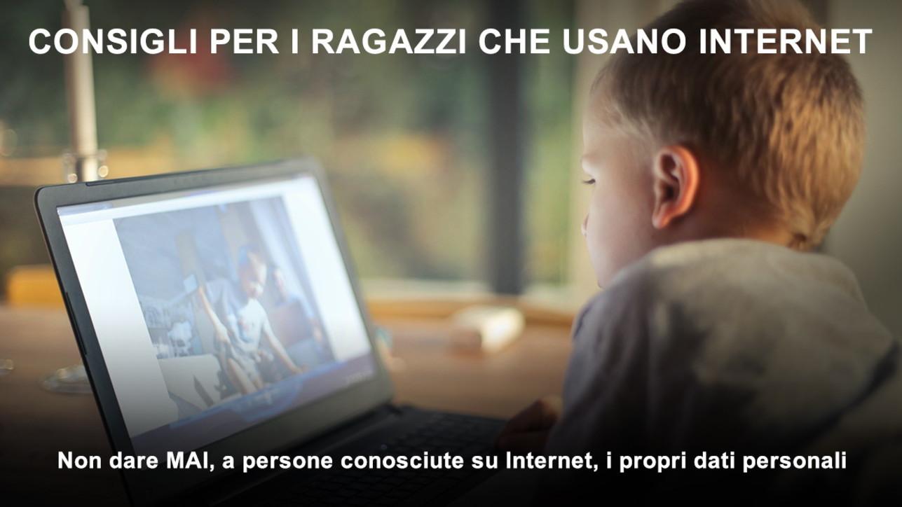 Pedofilia online, i consigli della polizia postale a genitori e figli