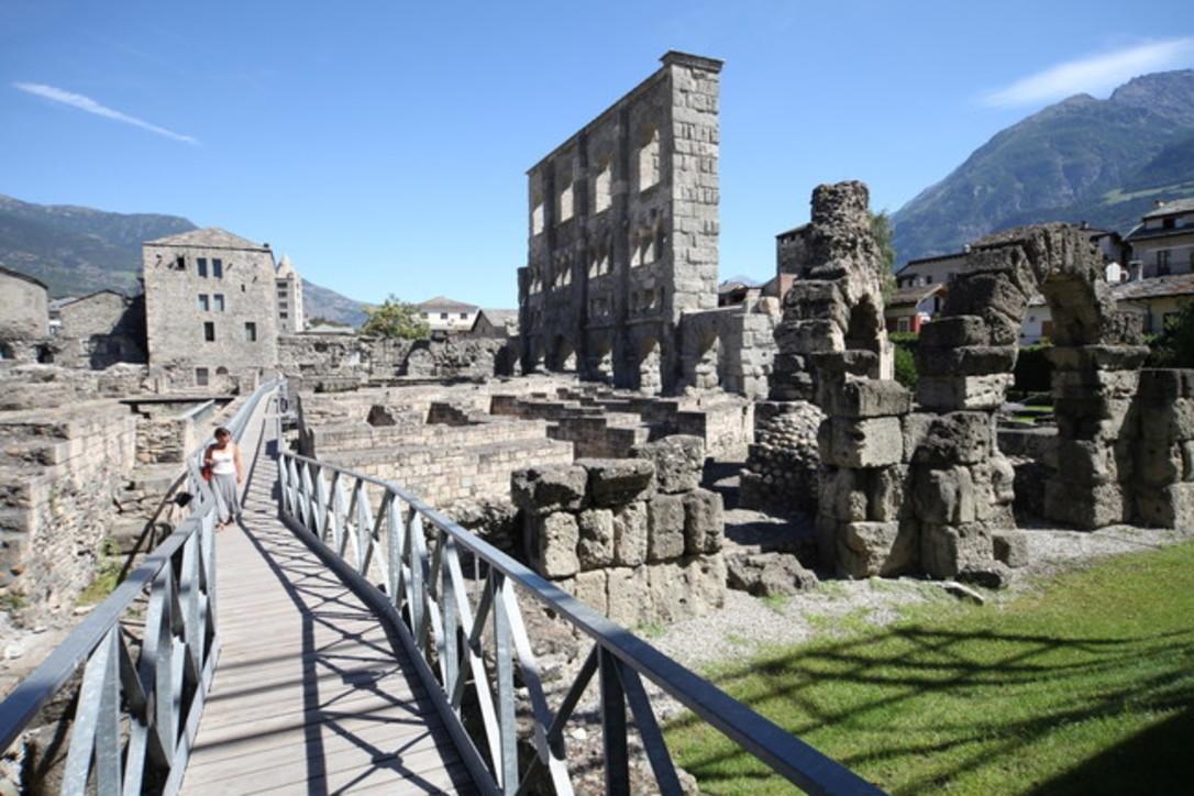 Aosta compie 2045 anni: le tracce di una grande passato