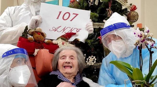Venezia, a 107 anni batte il coronavirus e festeggia il suo compleanno