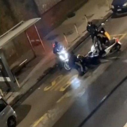 Napoli, fermati tutti i sei aggressori del rider: uno confessa in lacrime