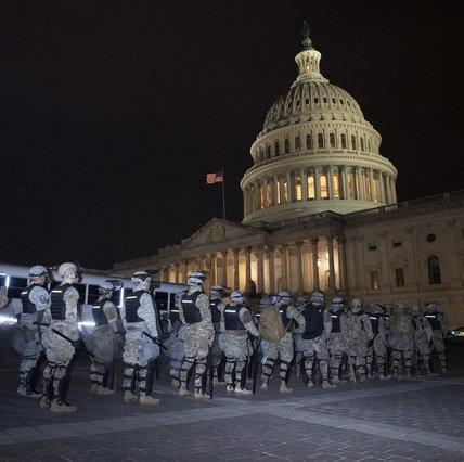 ایالات متحده ، هزاران طرفدار ترامپ به کنگره حمله می کنند: درگیری با پلیس ، 4 کشته و 52 دستگیری