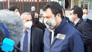 Salvini a Palermo con la foto del giudice Borsellino sulla mascherina