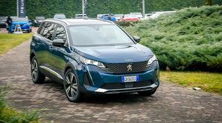 Peugeot 5008, restyling di qualità e abbondanza di versioni
