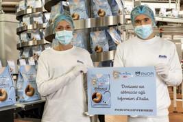 """Coronavirus, Mulino Bianco: gli """"Abbracci"""" per aiutare gli infermieri"""