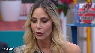 """Discussioni e scherzi spiacevoli: al """"GF Vip"""" Stefania Orlando sotto accusa"""