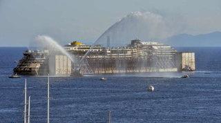 Tragedia Costa Concordia, nove anni dopo il naufragio: al Giglio il ricordo delle 32 vittime