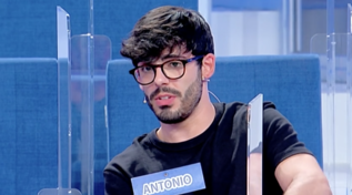 """Uomini e Donne"", Sophie Codegoni elimina Antonio"
