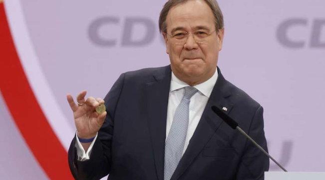Germania, inizia il dopo Merkel: Laschet nuovo presidente della Cdu