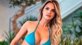 Michela Persico anticipa l'estate con i nuovi costumi
