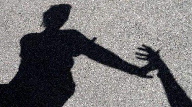 Milano, violentò una donna in strada: incastrato dal Dna su una sigaretta 14 anni dopo