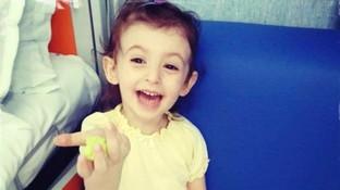 Usano le foto della piccola Elisa, morta di leucemia a 6 anni,per finte raccolte fondi