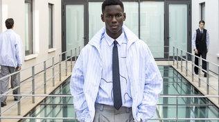 Sfilate Milano Fashion Week, Emporio Armani: forme di dialogo tra lui e lei