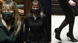 Il total black di Maria Elena Boschi è un messaggio per Conte?