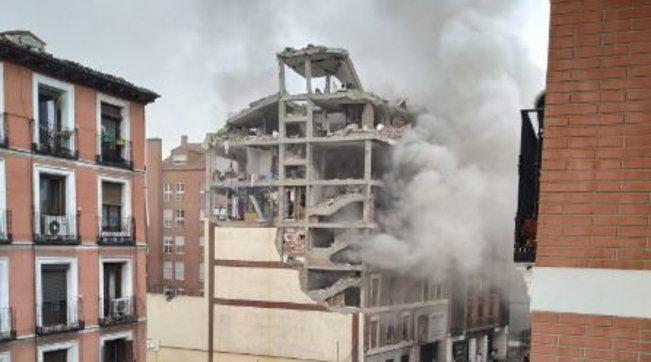 Madrid, forte esplosione: edificio distrutto, tre morti e otto feriti   Foto e Video
