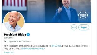 """Biden """"sfratta"""" Trump dall'account Twitter presidenziale (e Donaldha un nuovo profilo)"""
